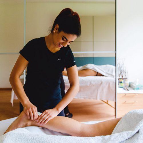 medizinische Massage am Fuss
